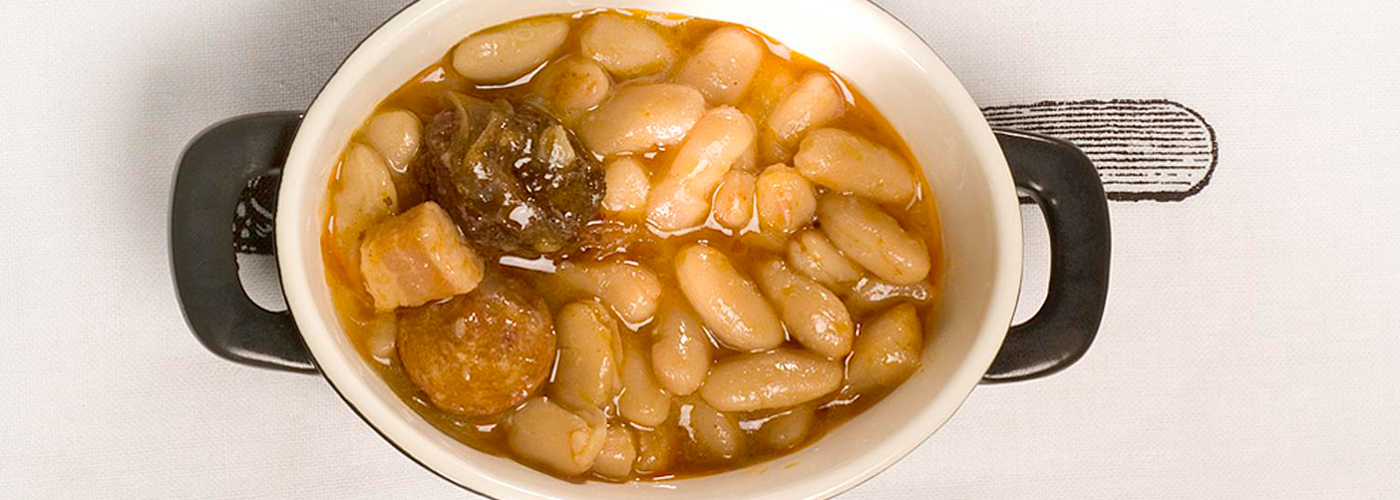 Spanish recipe: Asturias Bean Stew. Photo by: Toya Legido/©ICEX.