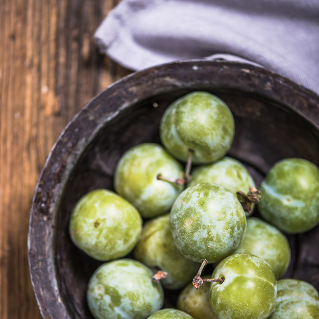 Spanish fruits for a sweet end to summer: Claudia plum