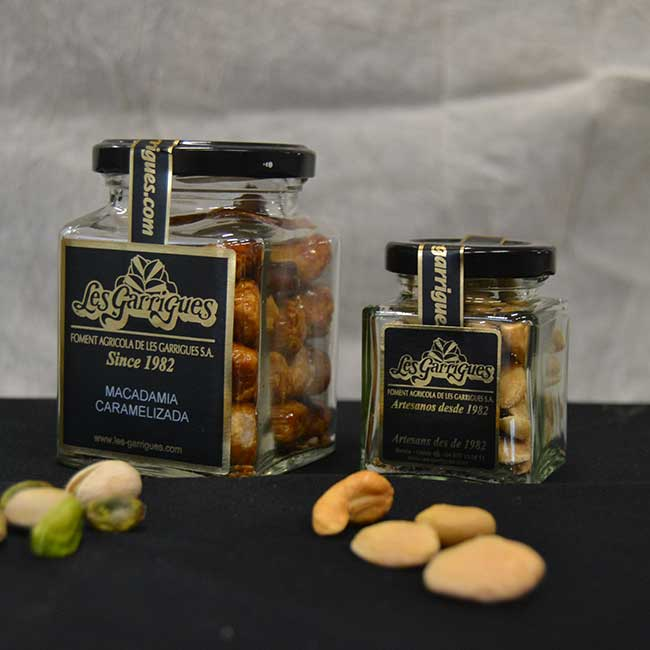 Spanish nuts by Les Garrigues company. Photo by: Les Garrigues.